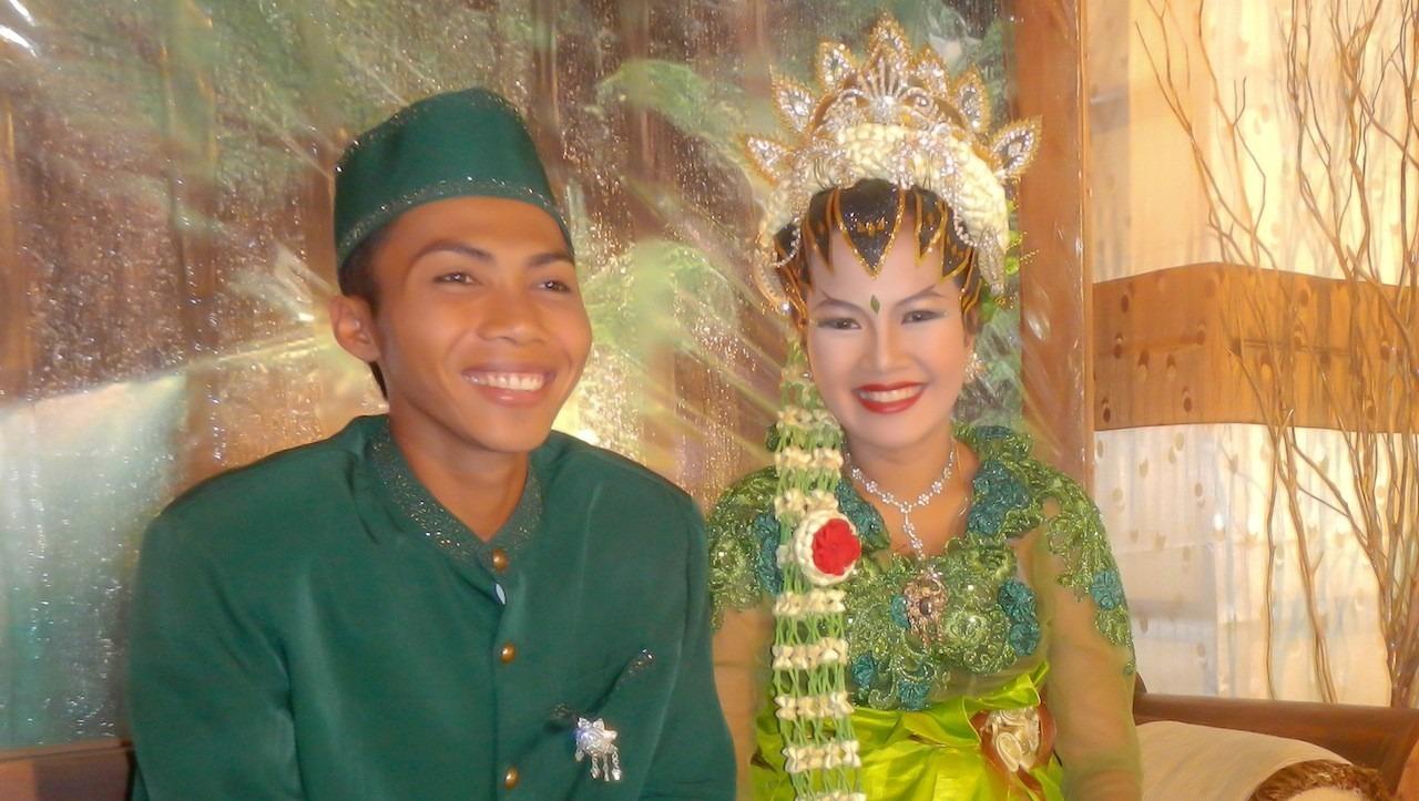 Great emotion at Puri Dajuma: Yulia gets married!