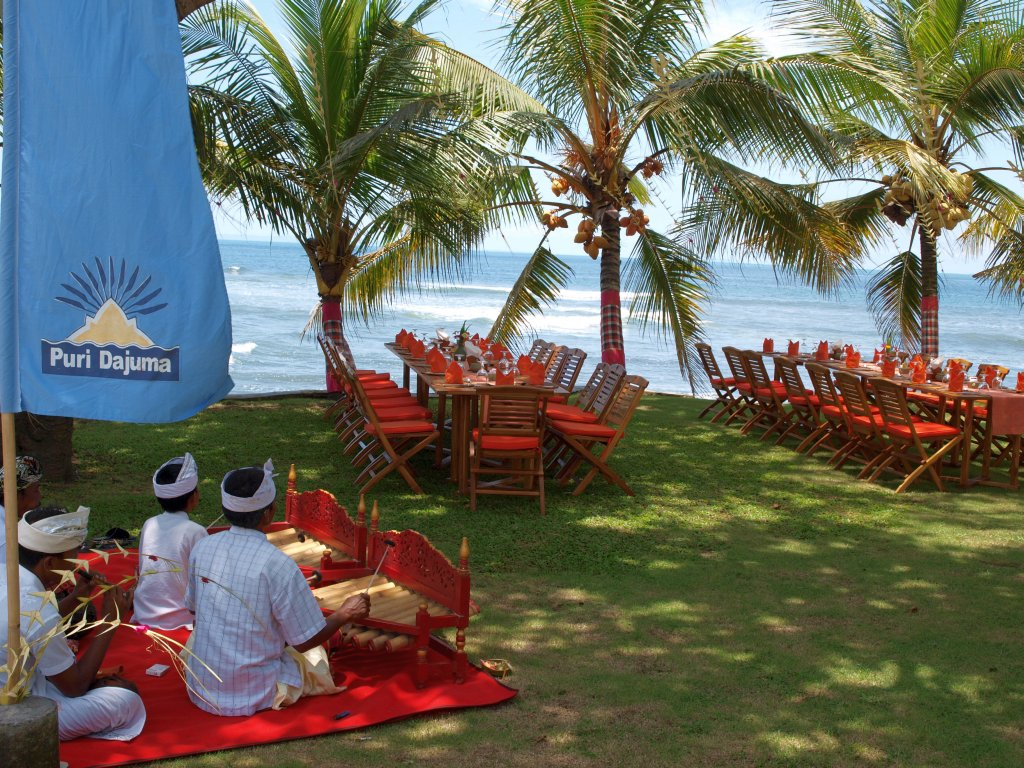 Dajuma Beach Front Lunch