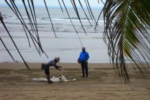 Fishing at Dajuma: 2 techniques in competition Puri Dajuma, Beach Eco-Resort & Spa, West Bali