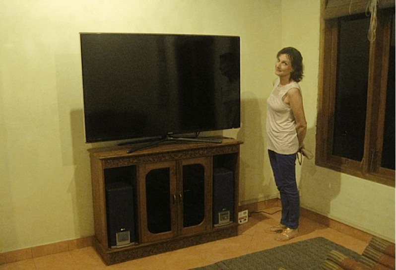 The Dajuma home cinema enriched with a 60 inch screen