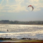 KITESURF IN WEST BALI: A SENSATIONAL SPOT ON PURI DAJUMA'S CAPE... UNDER CONDITIONS
