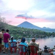 AGUNG VOLCANO: WHAT'S UP? Puri Dajuma, Beach Eco-Resort & Spa, West Bali Photograph: Juni Kriswanto/AFP/Getty Images