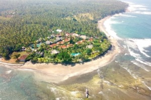 BEACHES AROUND DAJUMA, A WORLD IN ITSELF