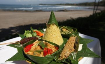 A DAJUMA DELICE :THE BALINESE RIJSTTAFEL Puri Dajuma, Beach Eco-Resort & Spa, West Bali