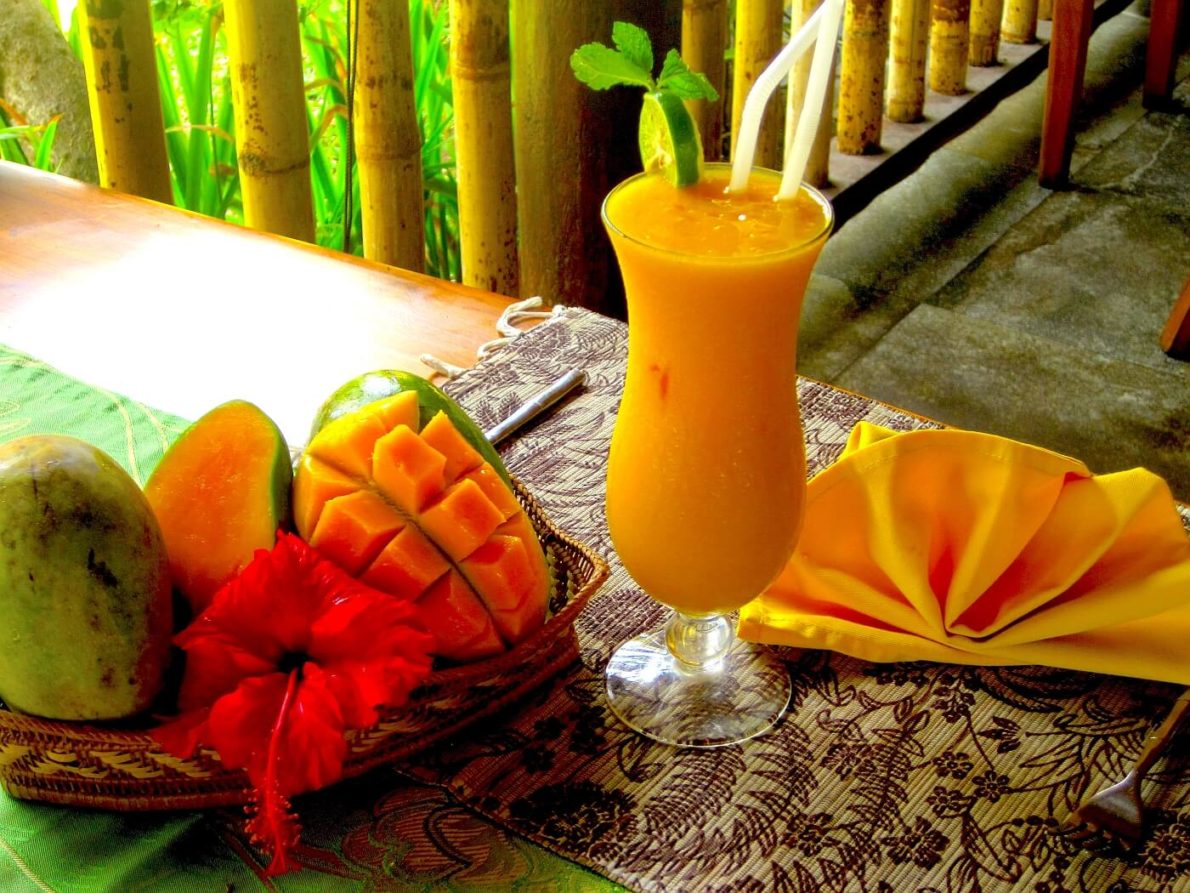 MANGO TIME Puri Dajuma, Beach Eco-Resort & Spa, West Bali bar cocktail